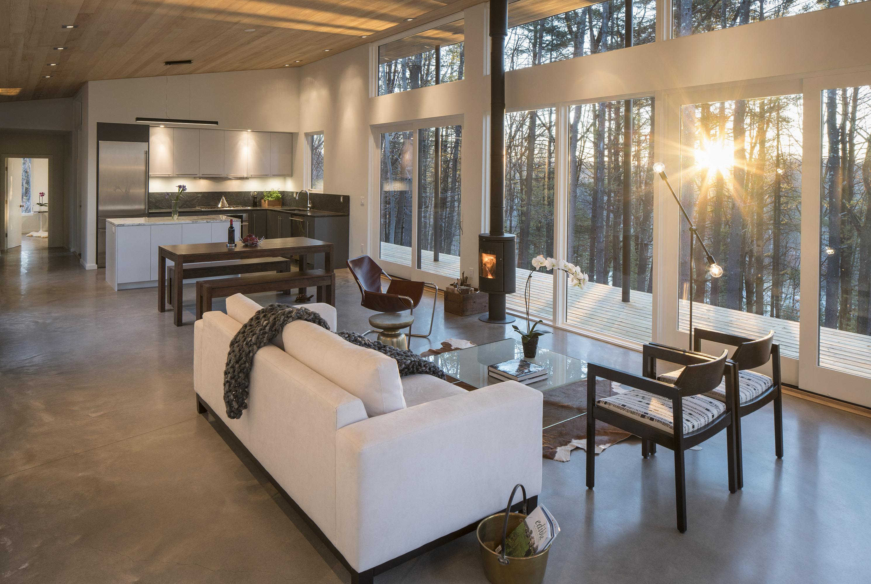 Lantern Ridge House by Studio MM Architect