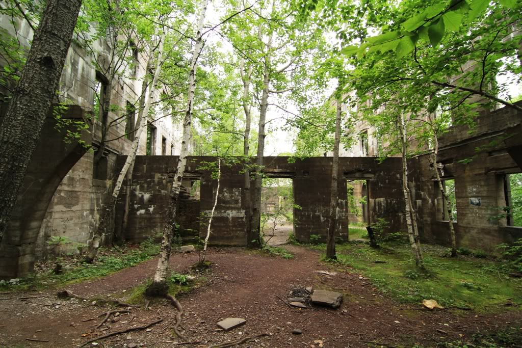 Ruins on Overlook Mountain